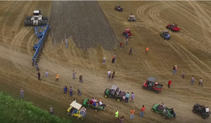 [Watch] A Crowd Gathers To See This Tractor, When You See It, You Will Know Why