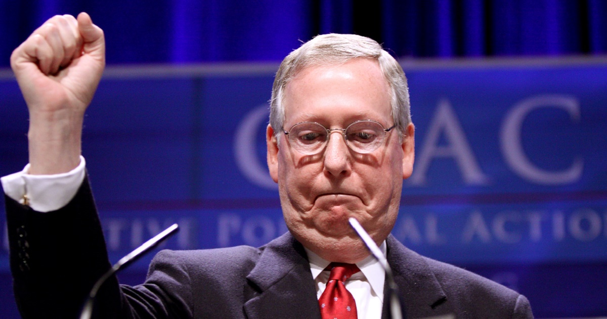[VIDEO] McConnell Digs In His Heels-Hangs On For Dear Life: Trump WILL NOT Change The Party!
