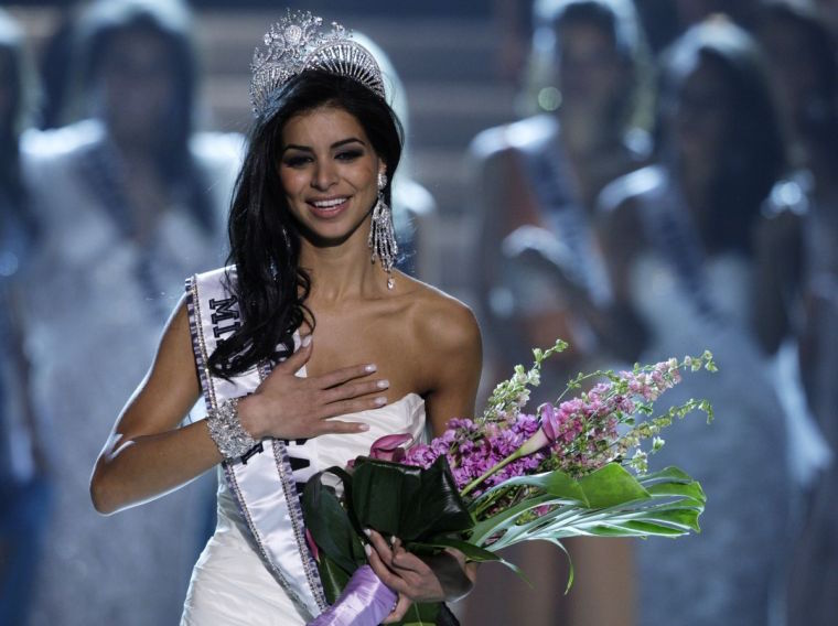 She's The First Miss USA To Convert From The QURAN TO THE BIBLE