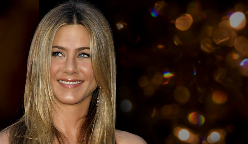 Deja Vu: Jennifer Aniston in a Black Dress and No Bra With Interesting Results [PHOTOS]