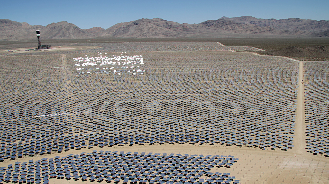 The Ivanpah solar project in California's Mojave Desert will be the largest solar power plant of its kind in the worl