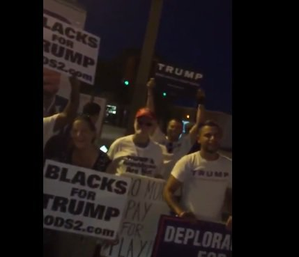 [VIDEO] Protesters Outnumber Supporters as Hillary Opens Campaign Office in Hollywood, Fla