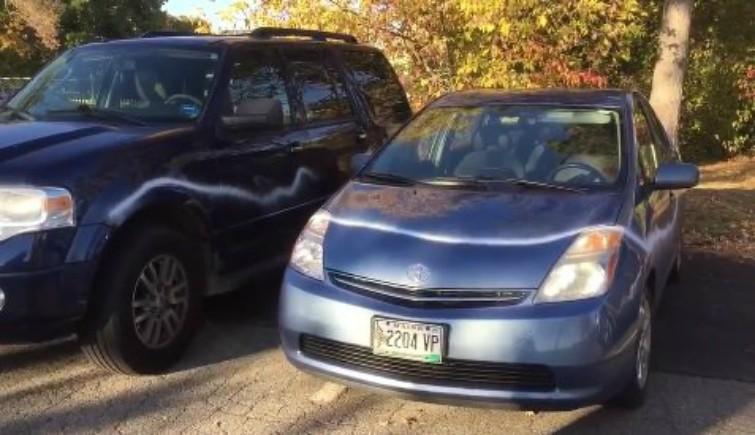 cars-trump-hillary-vandals5