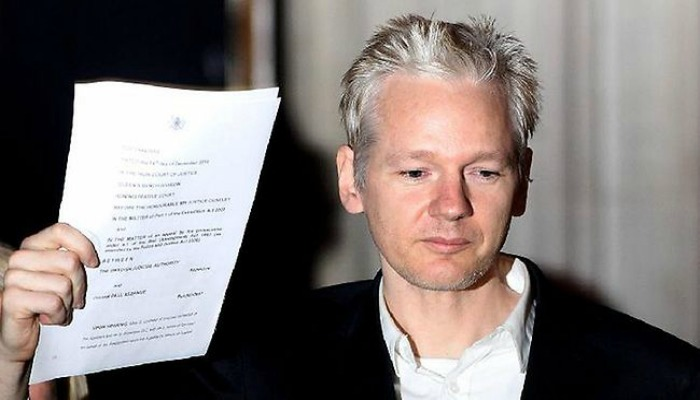 Assange OFFERS HIMSELF Up to Obama With One Request